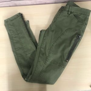 Blank NYC Leg Zip Green Pants Size 25